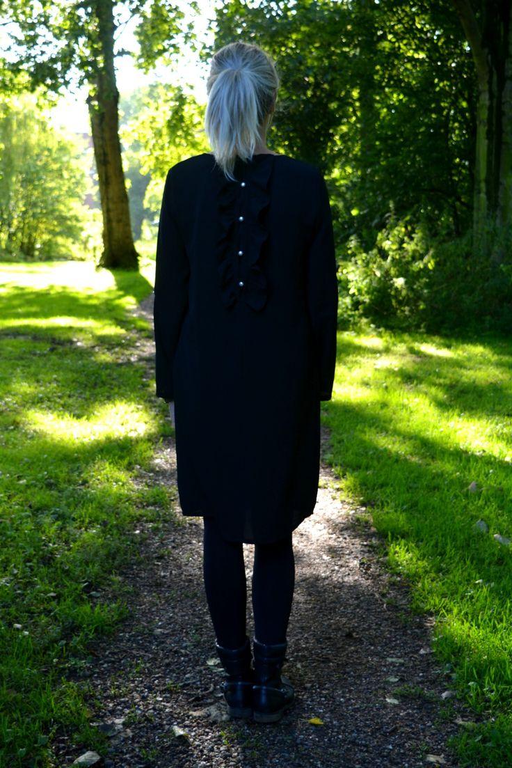 Parel jurk zwart Fashion & So 39,95