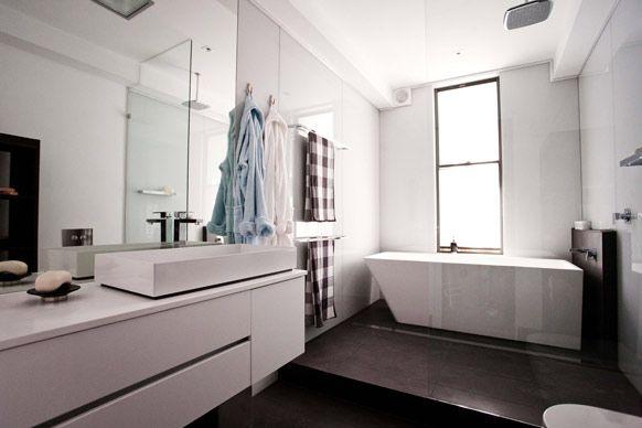 The Block 2012 - Brad and Lara's main bathroom.