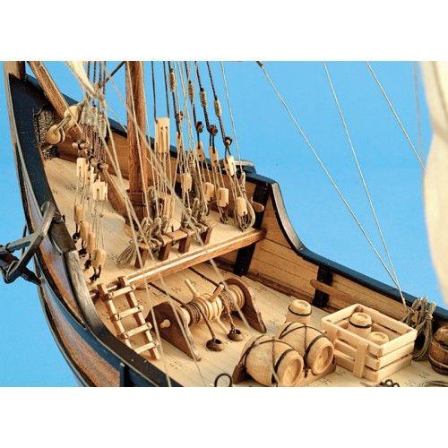 Maqueta de Barco en Madera: Carabela La Pinta 1/65