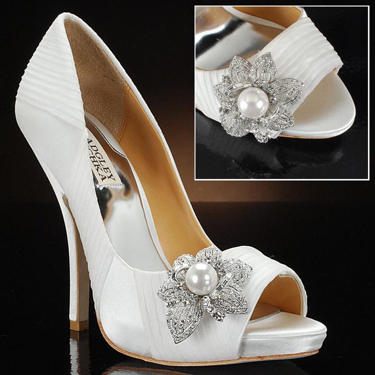 Trendy Badgley Mischka bridal shoe