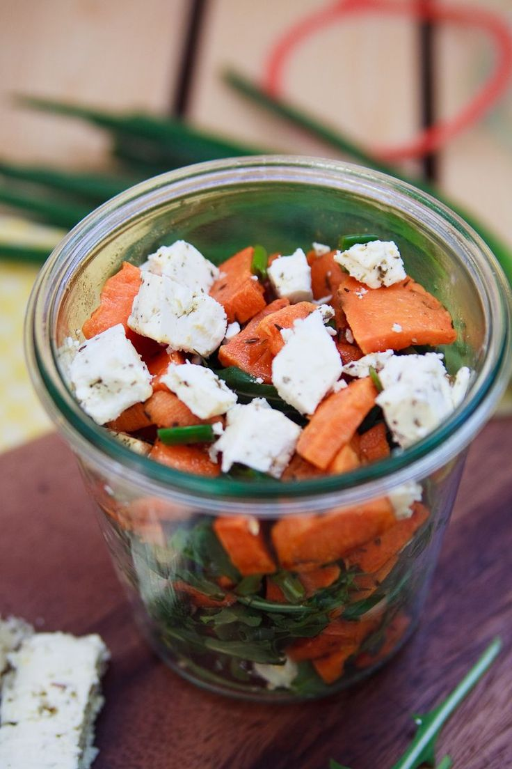 Zum Mitnehmen bitte: Mal was Anderes: Süßkartoffelsalat mit Feta und Rucola