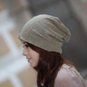 ГОЛОВНЫЕ УБОРЫ: НЕ РЕКОММЕНДУЕТСЯ: Нагромождение деталей, обильная отделка. Большие и очень большие головные уборы. Слишком строгие, «суровые» шляпы. Бесформенные варианты и те головные уборы, которые слишком мягки и гибки, чтобы держать форму.