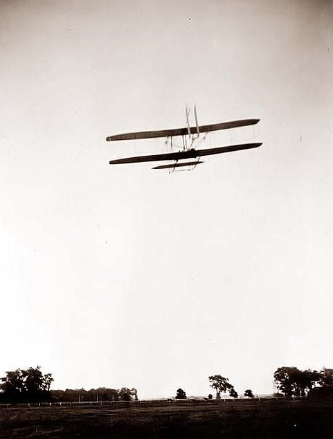 how the wright brothers worked to create the first flying plane Real footage from the wright brother's flight the wright brothers, orville (august 19, 1871 - january 30, 1948) and wilbur (april 16, 1867 - may 30, 1912), were two american brothers.