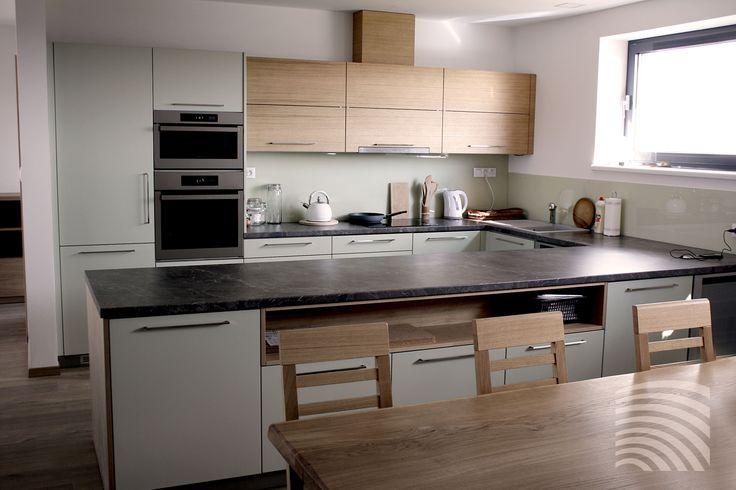 Jednoduchost, prostor a účelnost - interiér, který Vám slouží!