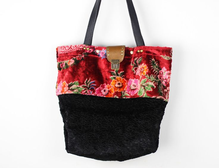 Large Carry All Tote Bag/Vintage Floral Fabric from Neroli Handbags by DaWanda.com