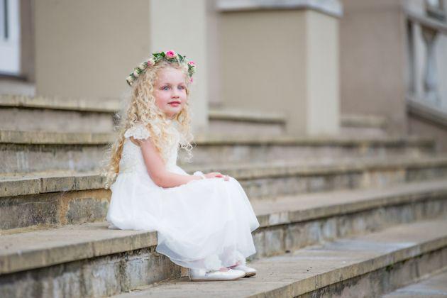 Elegant Purple Wedding At Black Swan Lake: 25+ Best Ideas About Swan Lake Wedding On Pinterest