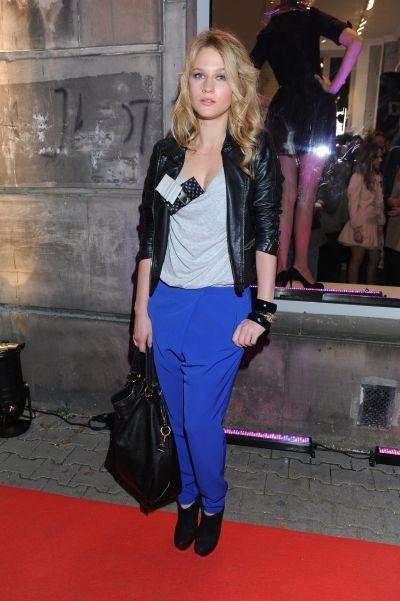 I want royal blue pants like these.