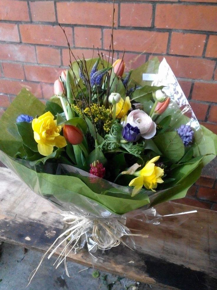 Spring bouquet with loads of colours.