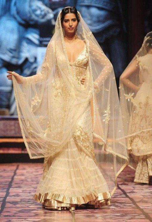INDIA BRIDAL FASHION WEEK 2013 – SUNEET VARMA
