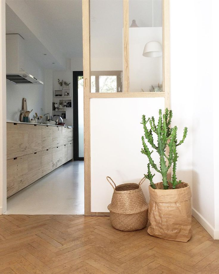 Le bonheur de rentrer quand la lumière est encore là 🌵 #myhome . . . #homeandliving #homedecor #interiordecoration #interiorinspiration  #homedeco #homeinterior #interiorstyling #inredning #interiorandhome #interiorblogger #atmine #madecoamoi #un23style #urbanjunglebloggers #kitchendesign #kitchen  #theartofslowliving #aminimalminute #aquietstyle #simplewhiteliving #simplethings #nothingisordinary #morningslikethese #scandinaviandesign #scandinavianstyle #flashesofdelight #pursuepretty…