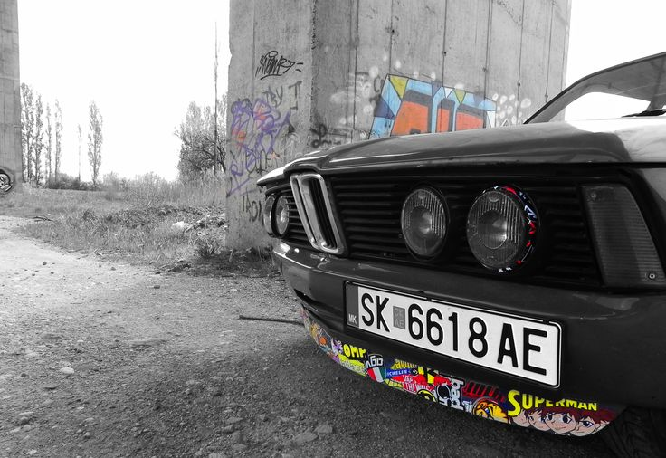 Color play #bmw #e21 #stickerbomb