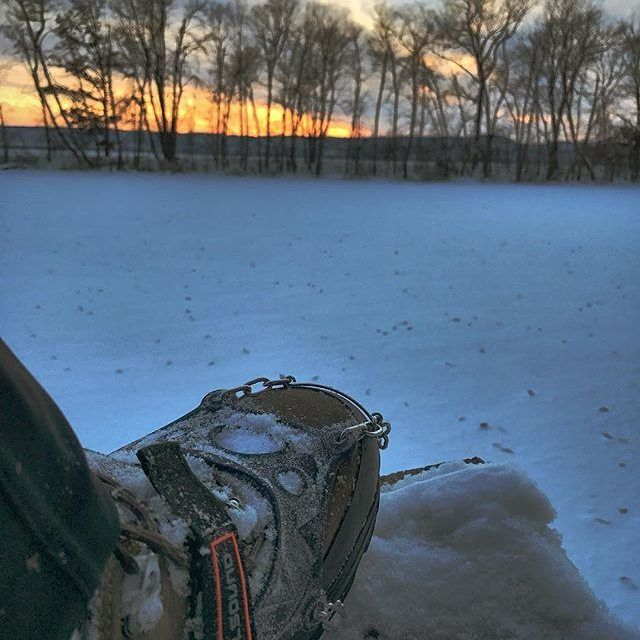 @johnparsneau : Like tire chains for boots - the Hillsound Trail Crampon Ultras keep me upright, even during polar vortex sunset shoots. #hillsound #hillsoundcrampons #hillsoundequipment #discoverwisconsin #sunset #winter #polarvortex #shotoniphone7 #microspikes  #hillsoundtrailcrampons 📷: @johnparsneau