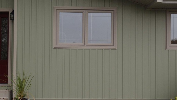 Juniper Grove With Canyon Clay Trim Vertical Siding