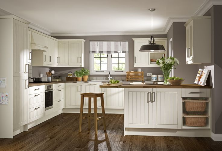 Newport Ivory http://www.academyhome.co.uk/products/kitchens/kitchen-ranges/timeless