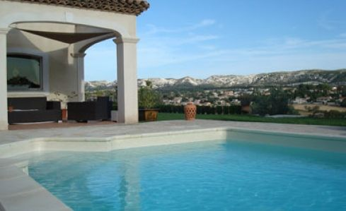 Marignanne (MAR1555) | Villa | Provence\Cote d'Azur | Bouche du Rhone | South of France and the Riviera | Luxury villa with panoramic views and private garden and swimming pool | Sleeps 8 | #holidayrentals #frenchmaison #provence #bouchedurhone #villa #pool #france