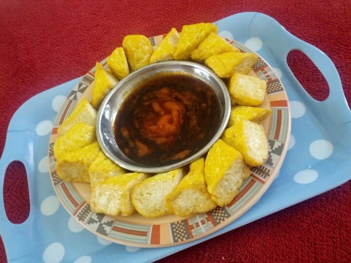 Fried tofu with chilli sauce