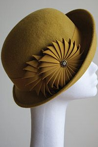 Esther Louise Millinery - lovely origami ribbon work. #ribbonwork #judithm