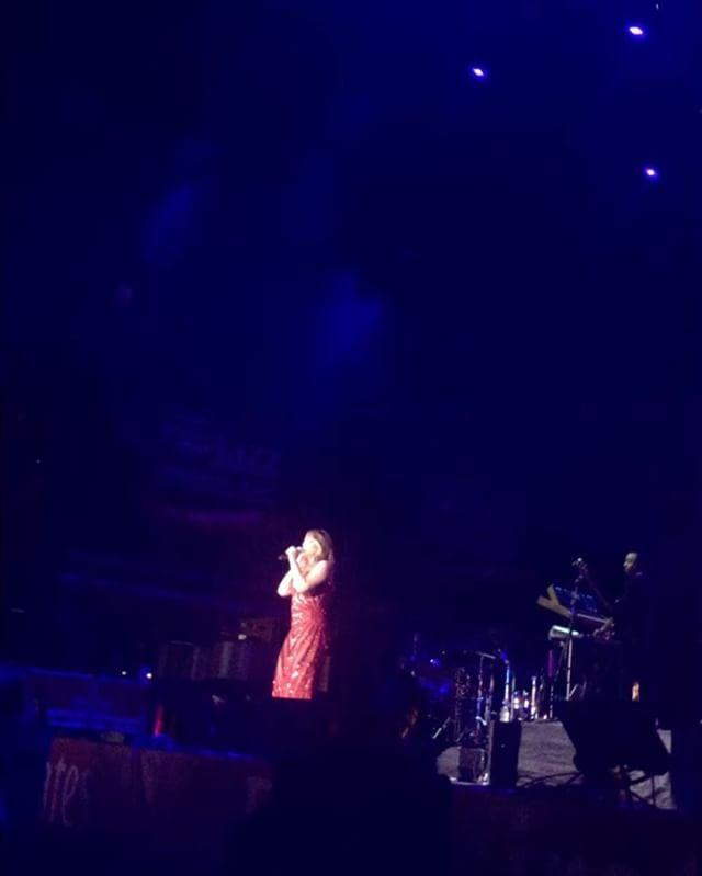 Malibu Nights Concert: 1000+ Ideas About Mariah Carey Concert On Pinterest