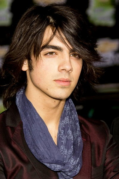 Back when I had a huge crush on this guy... Joe Jonas.
