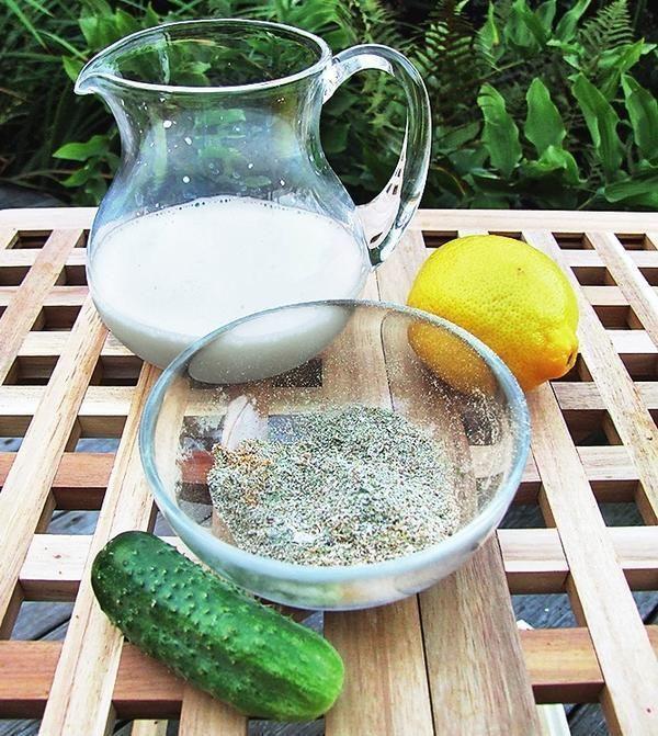 Разводить убтаны лучше молоком, огуречным соком или водой, смешанной с лимонным соком.