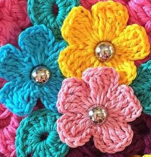* Pérolas do Crochet: Mini flor em crochet para aplicação VIDEO AULA