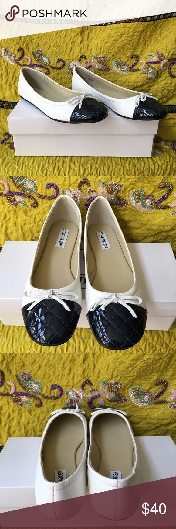💥NWT Steven Madden Quilted Ballet Flats💥 Never been worn and new in box! Steve Madden white ballet flats. Navy blue patent leather quilted toe. Steve Madden Shoes Flats & Loafers