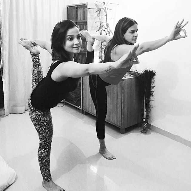 Yoga is the best thing dat happned to me❤️My holistic teacher @kalsirenu hving knowledge of different varieties of yoga. . N to do a tailor made class,  helping me to achieve physical goals of flexibility stamina N mental peace thru meditation  I hv enjoyed the journey of yoga,  It has made me calm,  mature,  n one hour session a day teaches me to handle the nxt 23 hrs wth positivity n strength❤️ I love power yoga ❤️thank u renu for being my guru for more den 8 yrs now ❤️❤️❤️