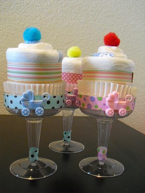 Champagne Diaper Cupcakes - Cute! Cute!
