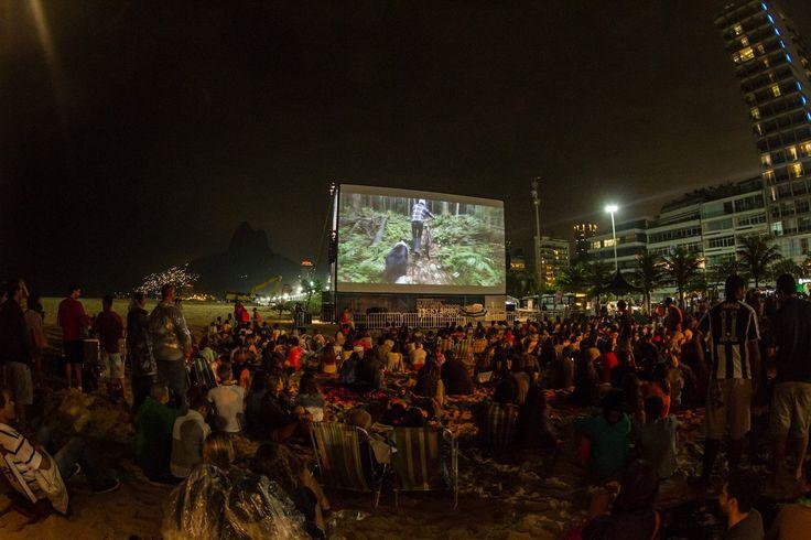 Festival de filmes ao ar livre para amantes de esportes e aventuras radicais ocupa o Parque dos Patins.