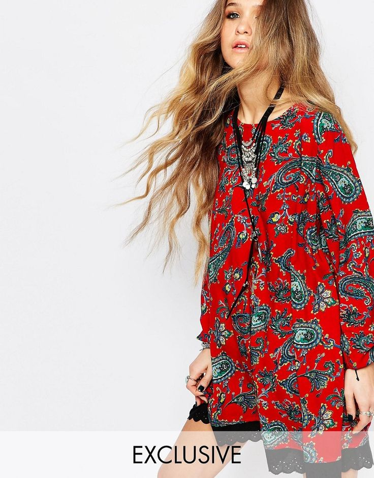 ¡Cómpralo ya!. Vestido estilo túnica de manga larga con detalle de nudo en la parte posterior y estampado floral rojo de Reclaimed Vintage. Vestido casual de Reclaimed Vintage, Tejido estampado, Cuello barco, Espalda abierta con lazada, Corte holgado, Lavar a máquina, 100% viscosa, Modelo: Talla UK 8/EU 36/USA 4; Altura de 168 cm/5'6, Los productos pueden variar debido a su especial naturaleza, Exclusivo en ASOS. ACERCA DE RECLAIMED VINTAGE Reclaimed Vintage es una colección de edición ...