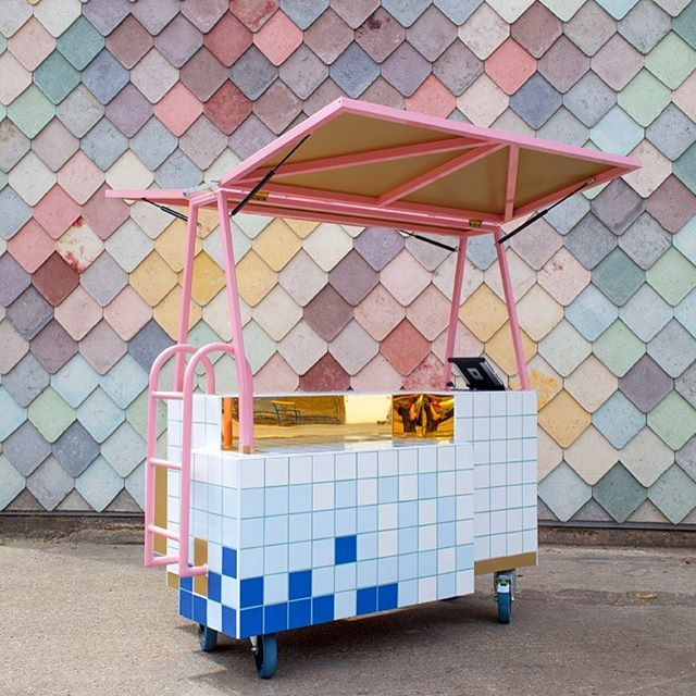 Happy to announce that @andrewpfriend and @sitrakahr will be designing The Garage Sale at @icalondon! Their mobile shop are one of the greatest things we seen in a long time. Yes please!⠀ Check out what they do www.andrew.sitraka.co.uk Don't miss your chance to see what they will make!⠀ Shop opens 1st December - 3rd December ⠀ #installation #build #design #shop #popup