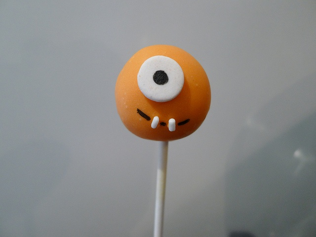 Monster Cake Pop.   Another project for Aunt Sylvia!! ;)
