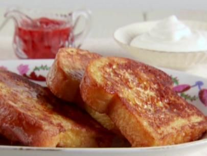 Get this all-star, easy-to-follow French Toast with Strawberries and Cream recipe from Claire Robinson