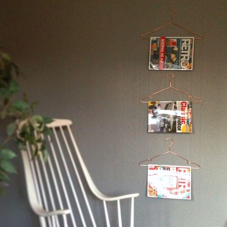 Tidningsställ av galjar i koppar