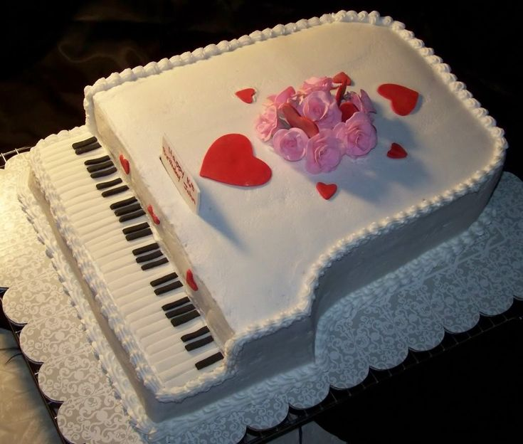 Cake Decorating Ideas Piano : 275 best images about Cakes for Music Lovers on Pinterest