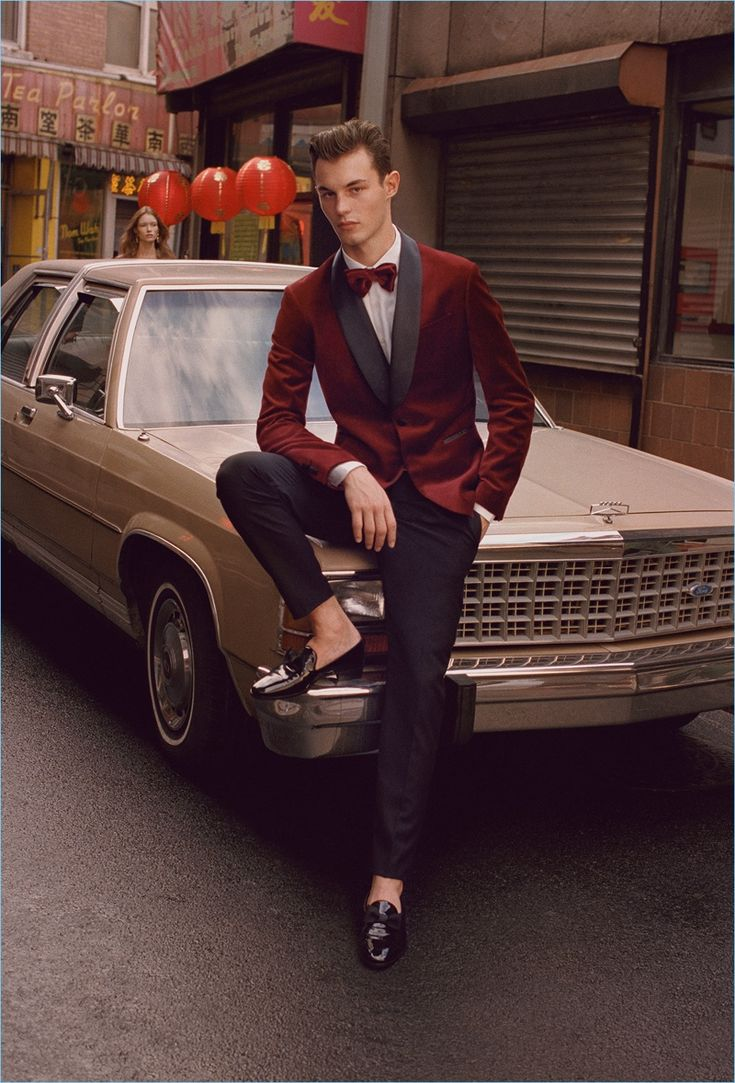 Mango heads to Chinatown for its holiday 2017 campaign. The Spanish brand goes formal with velvet suit jackets and bow-ties. Oversized coats also play into the style narrative. Dan Martensen photographs models Matthew Bell and Kit Butler for the advertisement. The models join Alexis Petit, Aya Jones, Ruth Bell, and Julia Hafstrom for the occasion. Meanwhile, stylist Elodie David pulls together a season's sharp wardrobe. Gus&Lo also direct the models in a festive holiday video.
