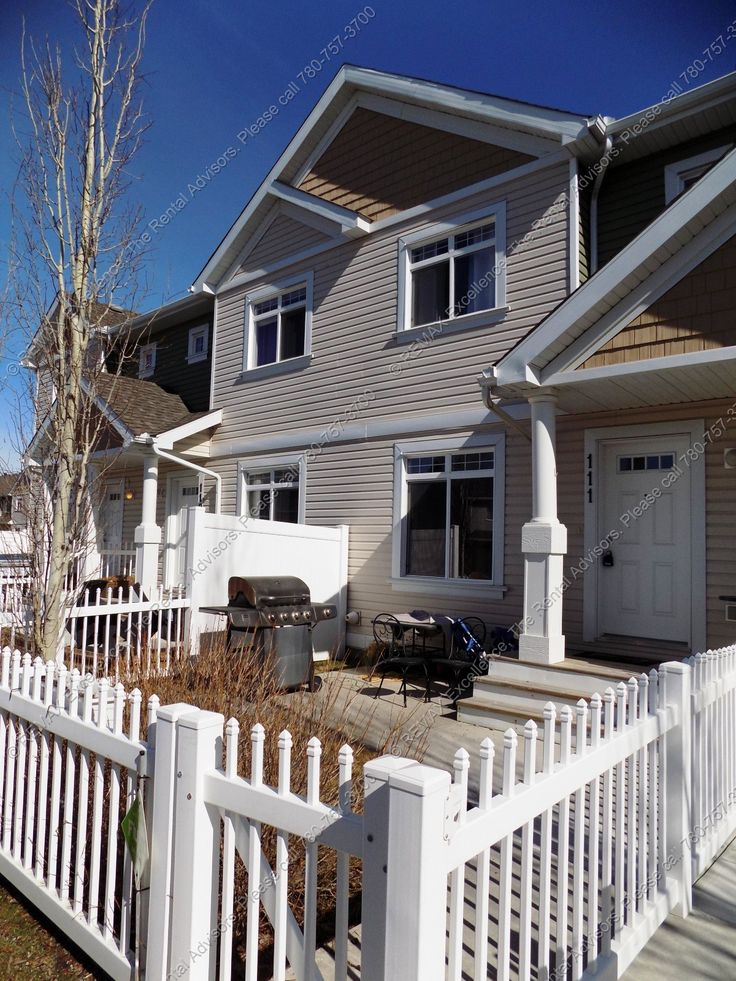 GREAT 3 BED, 2 STOREY TOWNHOUSE, 2.5 BATHS W/ DOUBLE