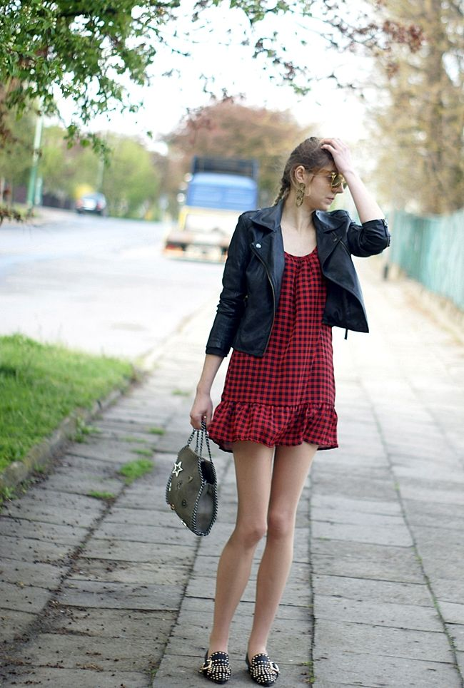 A new life: 1149 ==> Outfit: red checked dress