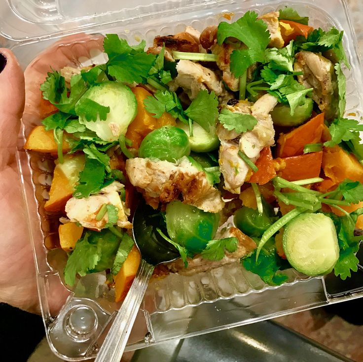 grilled chicken, baked pumpkin, blanched Brussels sprouts, fresh coriander #whole30 #healthylunch