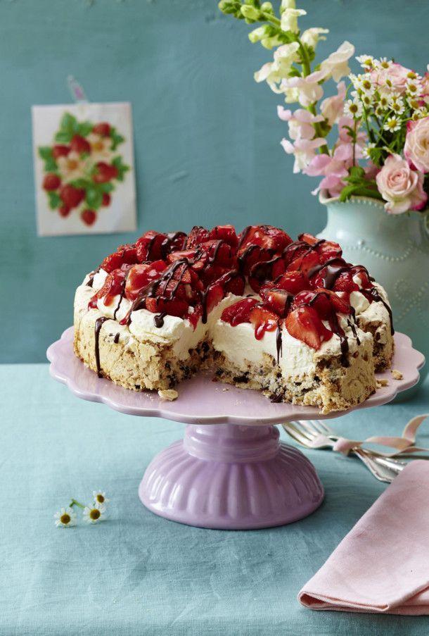 Unser beliebtes Rezept für Lavatorte mit Erdbeeren und mehr als 55.000 weitere kostenlose Rezepte auf LECKER.de.