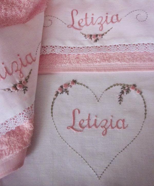 Trovo Letizia  un nome delizioso e il gioco delle zeta divertente. Purtroppo nelle mercerie non mi riesce di trovare un set asilo (asciu...