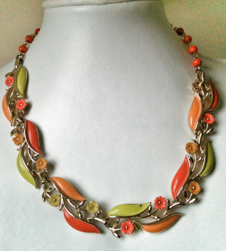 Jewelry vintage lisner