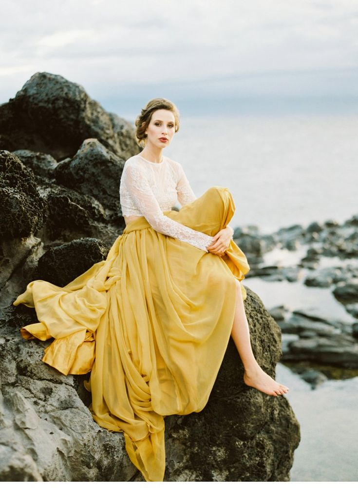 Graceful Hawaiian Bridal Inspirations by Donny Zavala Photography