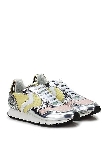 Voile Blanche - Sneakers - Donna - Sneaker in pelle laminata vintage effetto crack con parte micro forata e suola in gomma. Tacco 25, platform 15 con battuta 10. - SILVER\GIALLO\ROSA