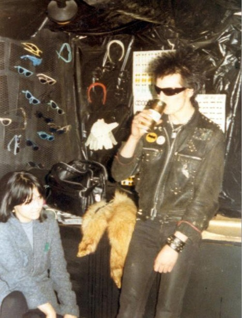 Sid Vicious and Jeanette Lee(the co-owner of Rough Trade Records), 1976.
