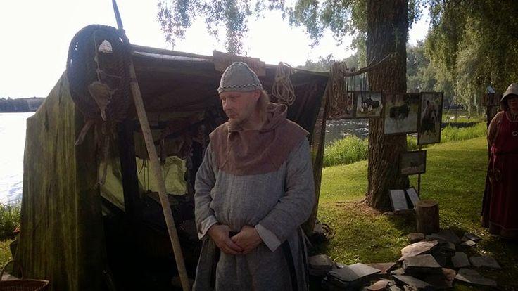 Hroárrin pellava kalotti.  Hedebyn Gyta: Päähineet  http://hedebyngyta.blogspot.fi/