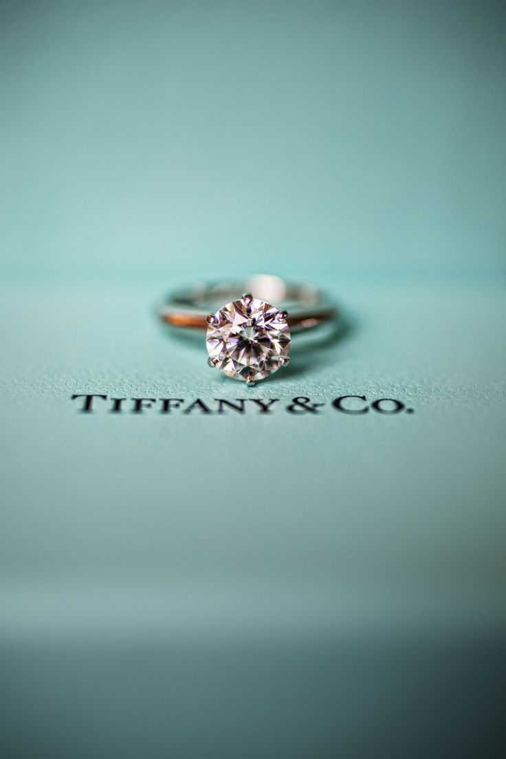 Love the simplicity. Tiffany's engagement ring - Gold, Round Brilliant. #timeless #perfection