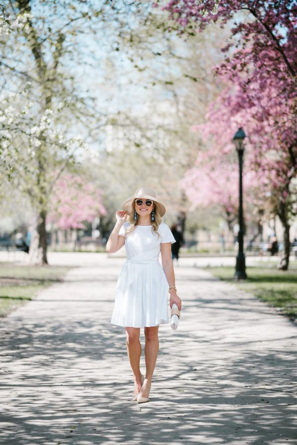 What to Wear to the Kentucky Derby | bows & sequins
