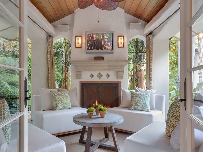 Home tour- Tyra Banks gorgeous Los Angeles home for sale!