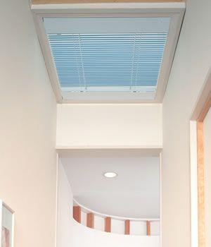 電動天窓タイプ セレーノ25 ニチベイ|ブラインドの激安通販【松装】 セレーノ25/電動天窓タイプ